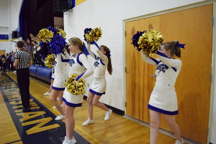 Cheerleaders adjust to many changes