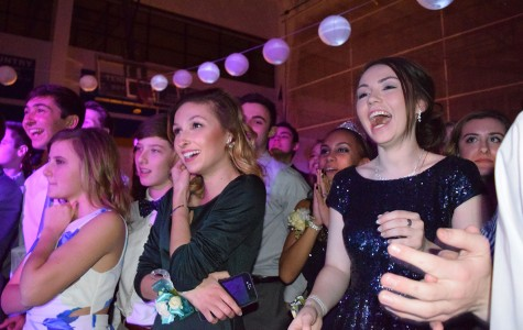 Students have a sweet time at Sweetheart 2016