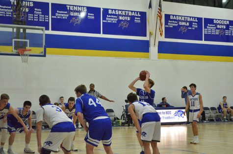 Senior Mitchell Paul gets ready to shoot a free throw.