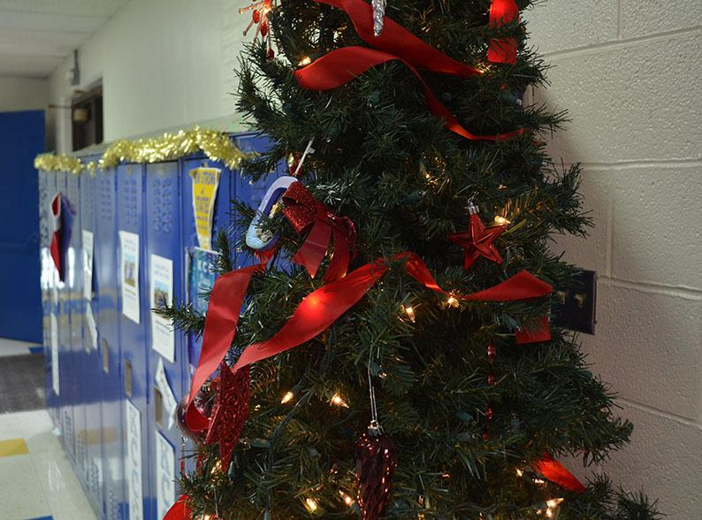 The tree in the senior hallway was put up by Jackson Vander Ark.